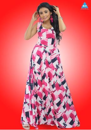 Picture of Sleeveless  Sweetheart Necked Maxi Dress